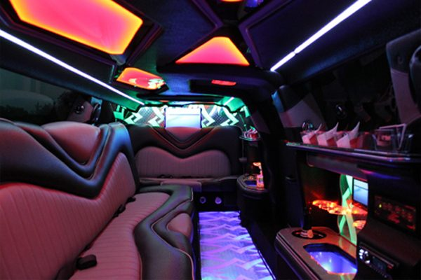 8 Person Chrysler 300 Limo Rental Columbus