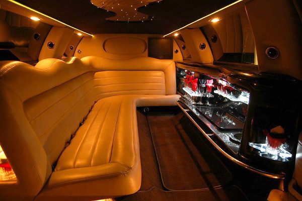 8 Person Lincoln Limo Service Columbus